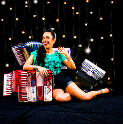 2019 WOMEN OF PASSION   Accordion Babes Pin-Up Calendar